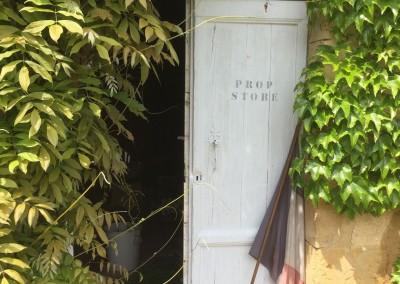 Prop-Store-door